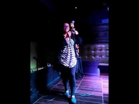 Karaoke - The Widow