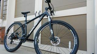 2013 Diamondback Response Xe 29er Mountain Bike overview