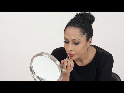 How To Wear The Smokey Eye & Bold Lip Right