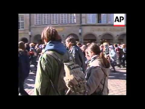 GERMANY: ANTI NUCLEAR ACTIVISTS PROTEST AGAINST WASTE SHIPMENT