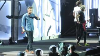 One Direction - Intro + Clouds - Philadelphia, PA (9/1/15)