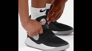 Nike Team Hustle D9 Junior Basketball Shoes