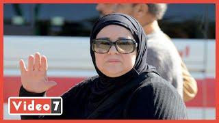 دنيا سمير غانم تتبرع بمبلغ كبير وتطلب الدعاء لوالدتها دلال عبد العزيز