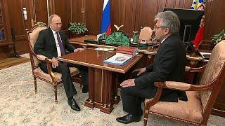 Владимир Путин принял в Кремле главу Российской академии наук Александра Сергеева.