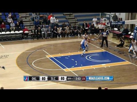 Joel Bolomboy posts 16 points & 16 rebounds vs. the Blue, 1/3/2017