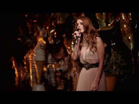 Lana del Rey - Videogames en vivo - live (Español - Lyrics)