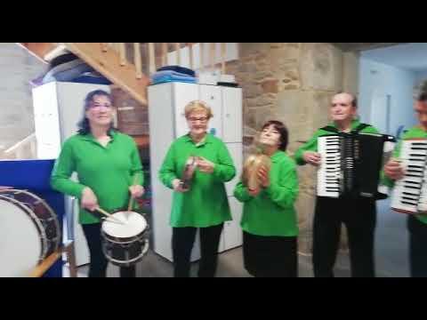 Música y baile en las nuevas instalaciones del centro de día de Guitiriz