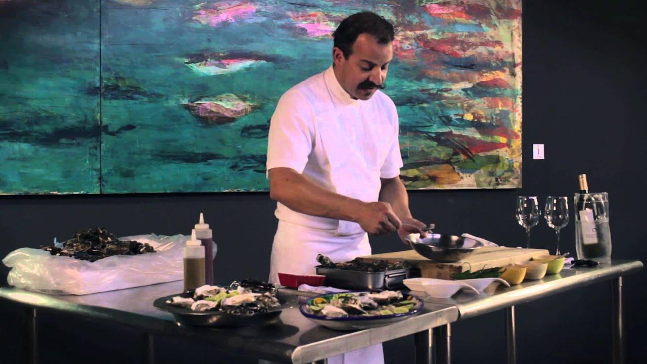 Ostiones con Salsa Mignonette con el Chef Benito Molina