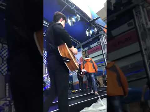 Shawn Mendes - Today Show Soundcheck - There's Nothing Holding Me Back
