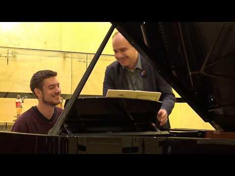 Claudio Martínez Mehner teaches Dominic Chamot Liszt Réminiscences de Norma.