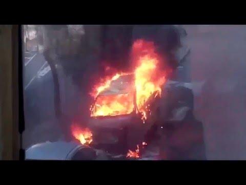 Во Владивостоке на ул.Котельникова дотла сгорел микроавтобус 1.02.2016