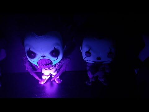 TERRIFYING PENNYWISE GLOW IN THE DARK FUNKO POPS