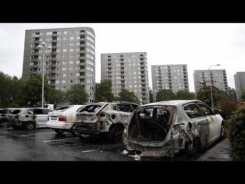 عنف وإحراق سيارات في ثاني أكبر مدن السويد والسبب مجهول!  - نشر قبل 59 دقيقة