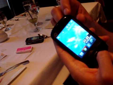 Sogi.com.tw手機王@Motorola EX300功能介紹