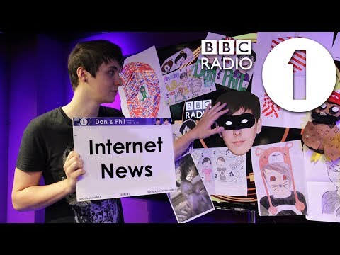 PRIEST KARAOKE! Dan Howell's Internet News