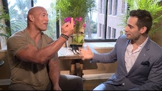 Baixar The Rock flips me off during MOANA interview, How singing in WWE helped his career