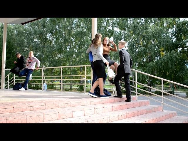 Изображение предпросмотра прочтения – АлексейКарамышев представляет буктрейлер кпроизведению «Алиби для 10 Б» Ю.В.Ситникова
