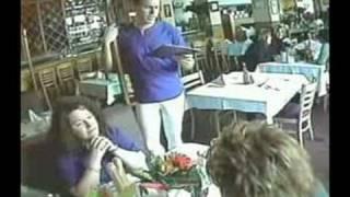 Repeat youtube video Cameriere Superdotato