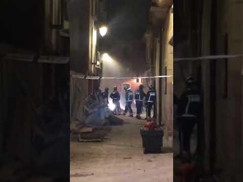 Imágenes del derrumbe de un inmueble en pleno Barrio Húmedo