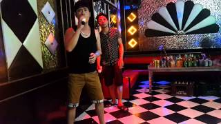 Cha với ngộ không hát karaoke