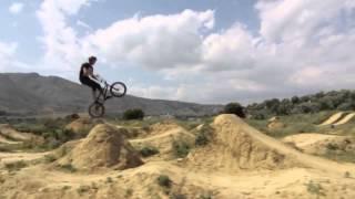 Испанские беймиксеры дают BMX видео уроки