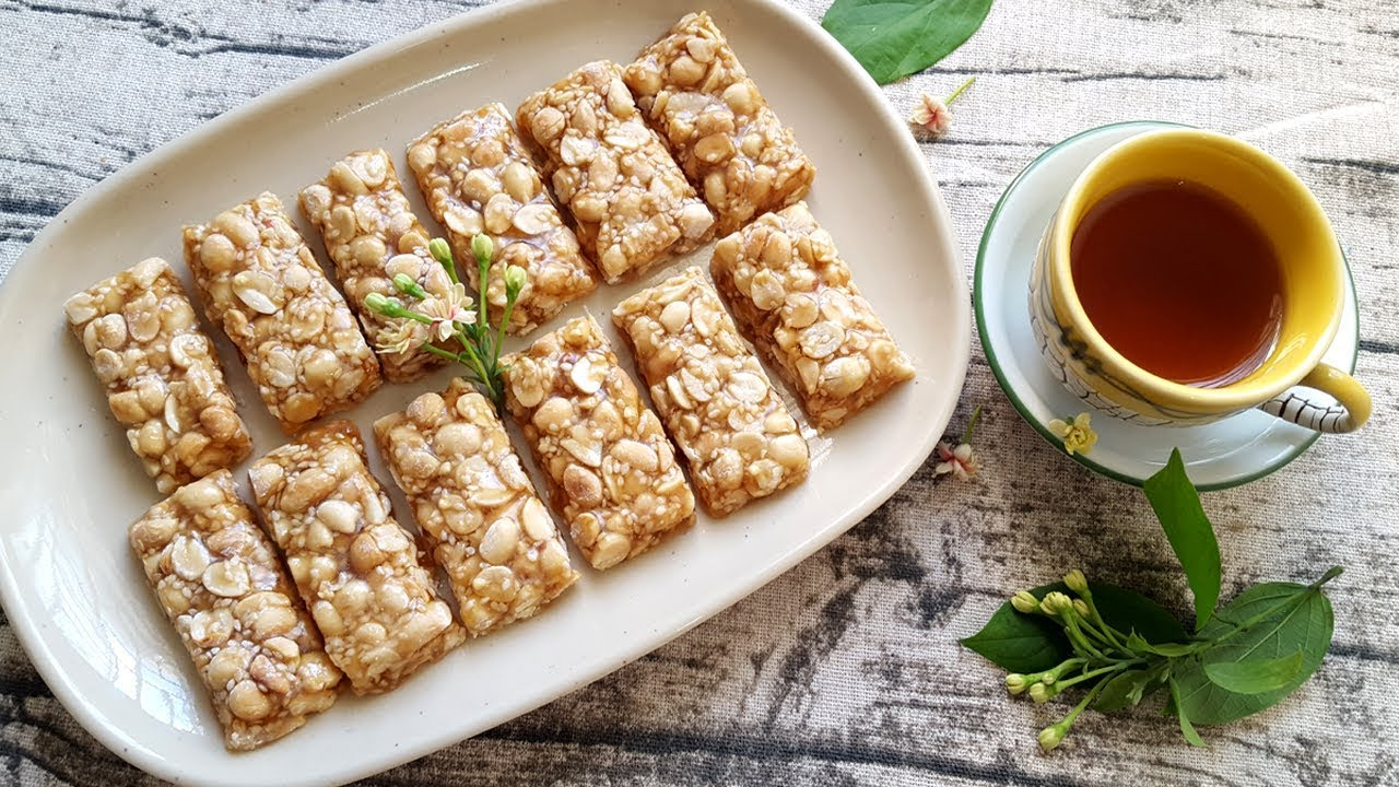 Cách Làm Kẹo Lạc ( Kẹo Đậu Phộng ) Siêu Nhanh Siêu Đơn Giản   Góc Bếp Nhỏ