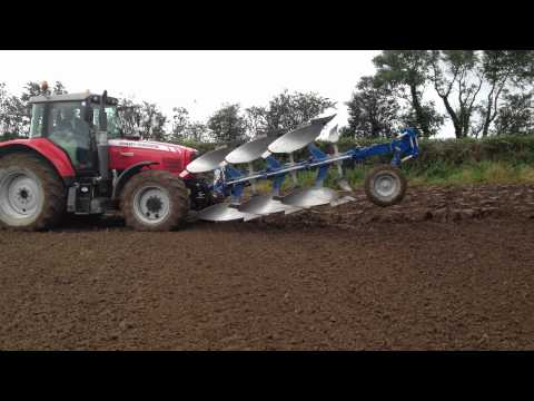 Overum front and rear plough finishing off after demo day