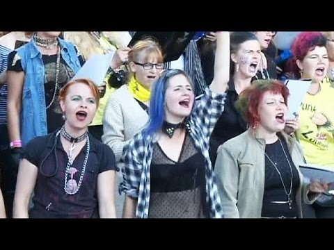 Thousands gather in Estonia for punk festival - no comment