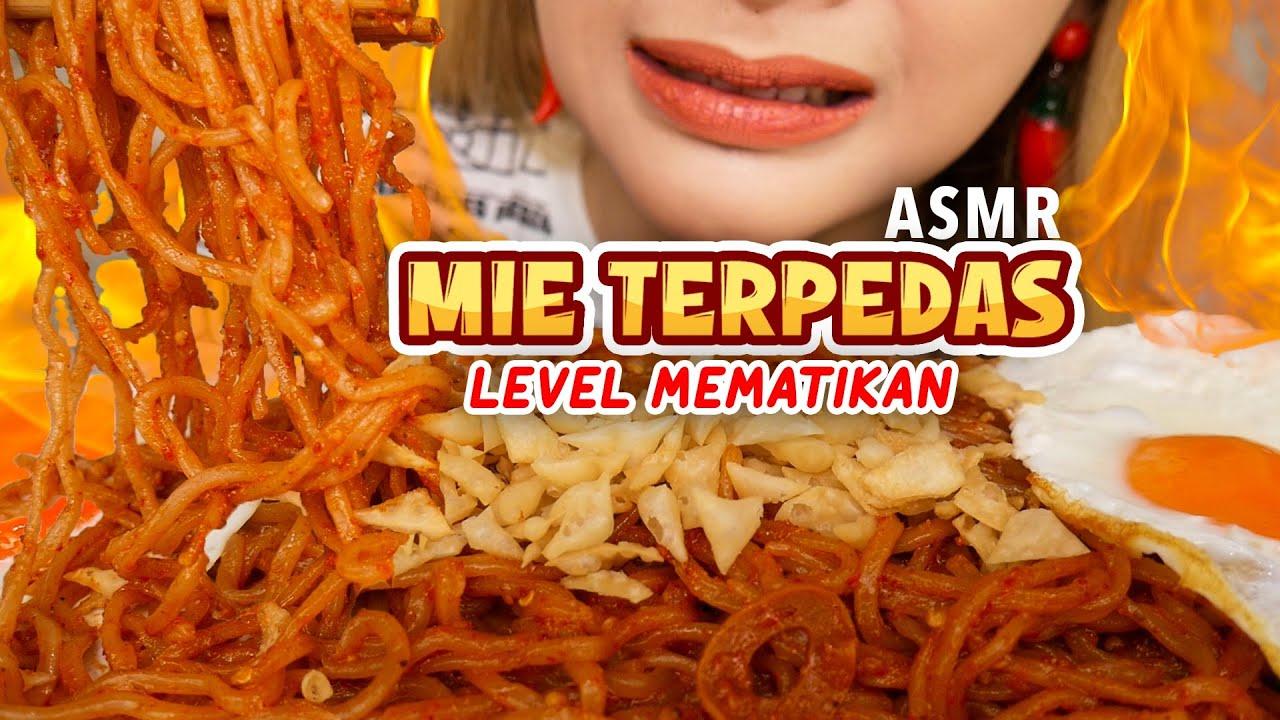 N4NGIS!! ASMR MIE GORENG TERPEDAS DI INDONESIA | ASMR Indonesia