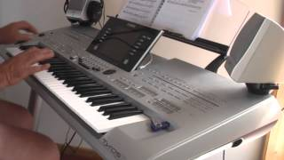 Blue Moon played on the Yamaha Tyros 3