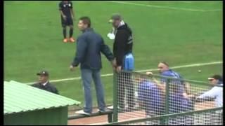 Repeat youtube video Nézőtéri botrány az Ajka - ZTE mérkőzésen
