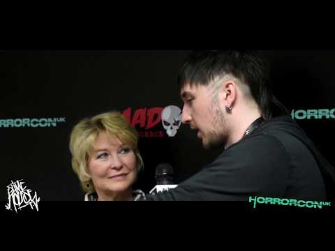 Dee Wallace talks Acting & Directing at HorrorConUK 2018  Slime House TV