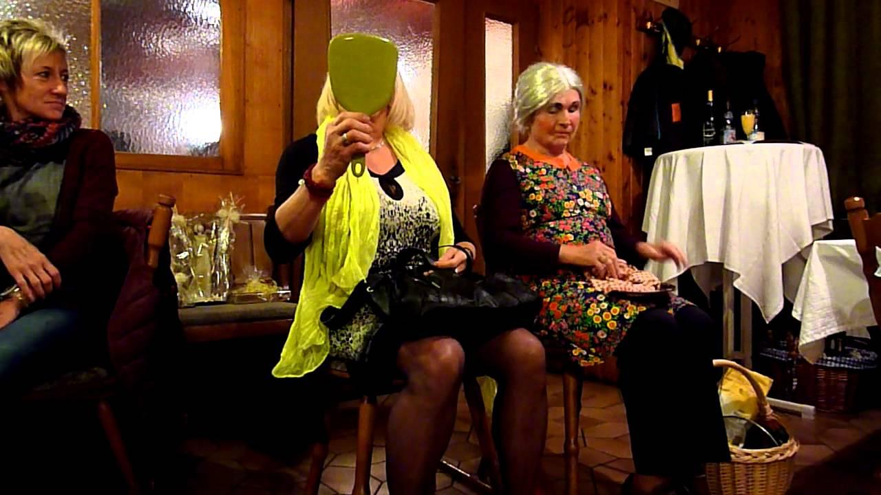 2 Damen im Zug Aufführung - YouTube