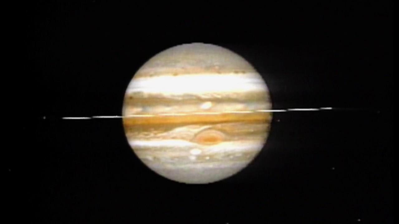 Voyager 2 Flies by Jupiter - YouTube