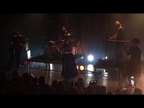Aurora - Gentle Earthquake - Live at the Melkweg