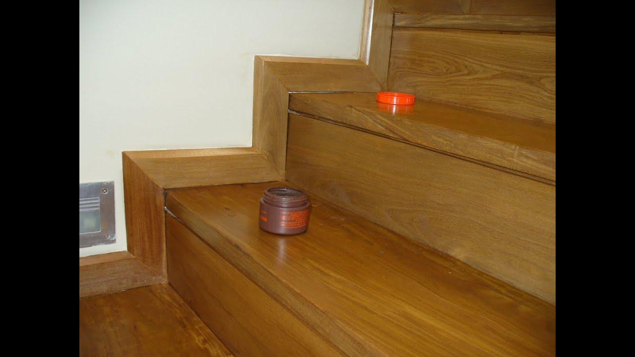 Escaleras de madera del muebles de madera for Muebles de madera