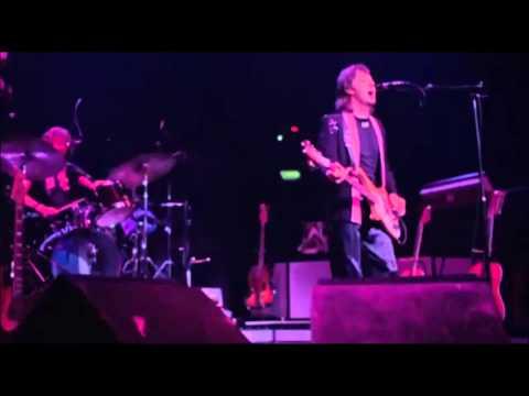 Paul McCartney & Wings - Let Me Roll It (Live)