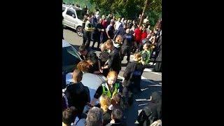 Crazy school riot at Fir Vale School, Sheffield
