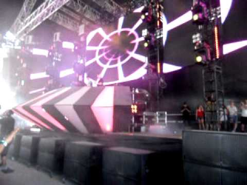 Cosmic Gate - Heart On My Sleeve (Kyau and Albert Remix)  at ASOT 500 Miami 3.27.11