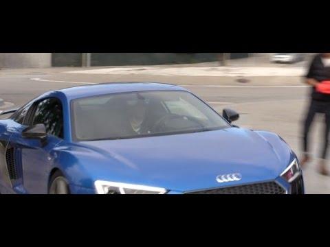 Lionel Messi y su nuevo Audi R8 azul • FC Barcelona 2015