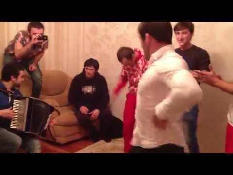 Собрались и танцуем Лезгинку