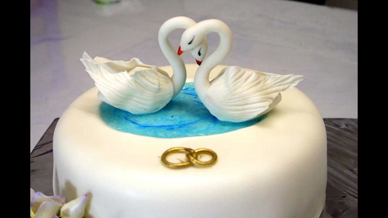 Украшение свадебного торта Лебеди