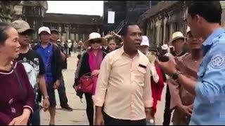 Du khách Việt bị chặn lại khi muốn cúng ở Angkor Wat