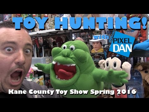 TOY HUNTING with Pixel Dan at the Kane County Toy Show Spring 2016
