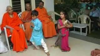 Krishna & Yash performing dance for Swami Dayananda Saraswati