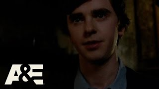 Bates Motel: Norman Questions His Mother
