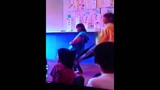 ダンサーの素質 人を惹きつける動きに注目笑.