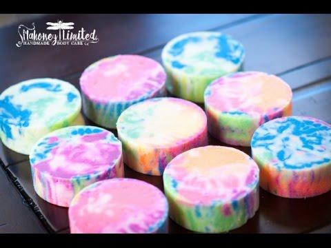 4b8c3de9ce1533 Tie Dye Soap Two Ways - YouTube