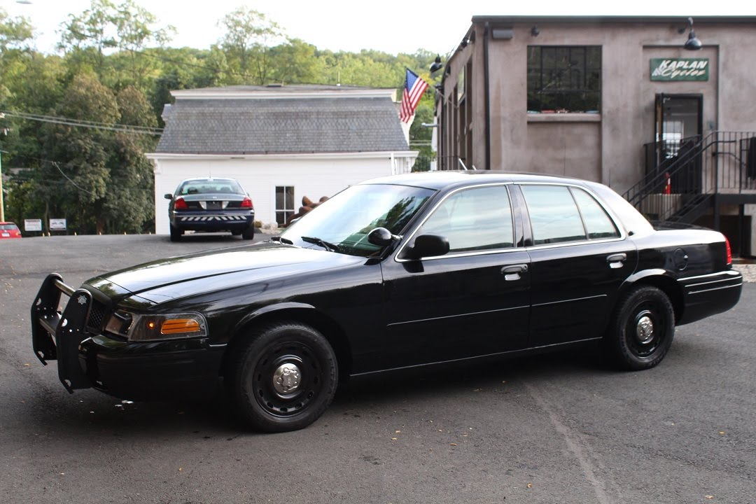 2005 ford crown victoria p71 police interceptor youtube. Black Bedroom Furniture Sets. Home Design Ideas