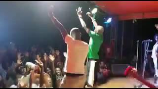 Video Jose Chameleon anyonyodde gyenvuddewe ne Abdu Mulaasi nga Teri yali abamanyi download MP3, 3GP, MP4, WEBM, AVI, FLV November 2018